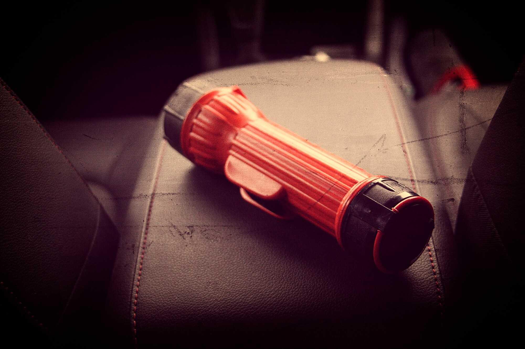 Keep a flashLight in the car